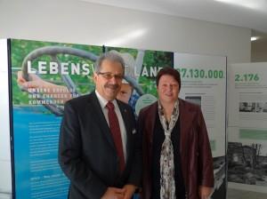 Landrat Harald Altekrüger und Simone Schökel, LELF